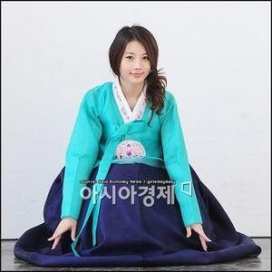 Yura of Girl's Tag in A beautiful Hanbok