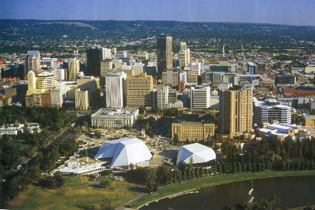 I live in Adelaide, Australia (Picture below) But i would Cinta to live in London atau LA :3