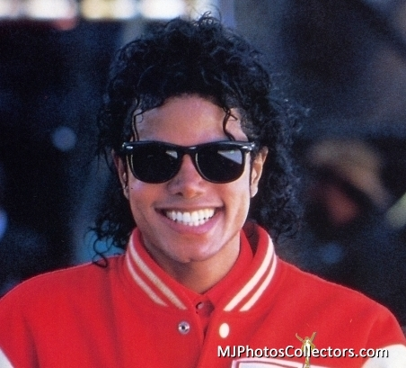 Hello welcome to Fanpop and the MJ Club. Hope anda enjoy it here!
