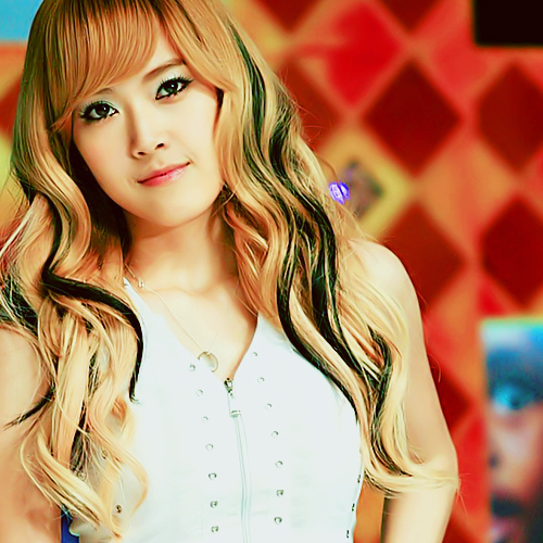 Jessica of-cores......she can sing,she is pretty,and she can speak English!!