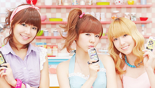 Sooyoung, Sunny and Jessica. :]