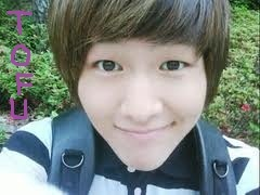Although i like Key the most, i also think Onew is soo sweet~ So here it is: (Its kinda similar to yours, so sorry~