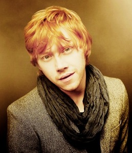 Rupert Grint!! Fuck he is Hottt!!! :) xx