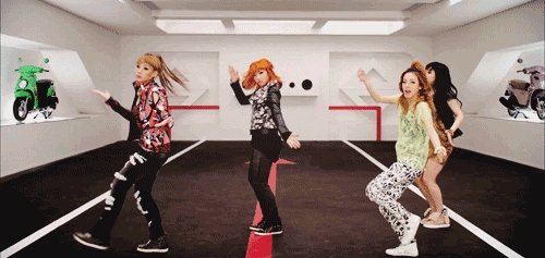 Don't stop the music...most hairstyles and hair colors changes.Minzy's hair turned مالٹا, نارنگی and it's long,Bom hair turned black,Dara's hair durned brownish-blonde.CL's hair was the same :DFioreee~