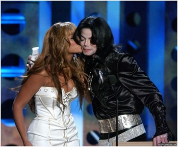 i heard MJ had a crush on her. its maybe not true but i think thats really cute :)