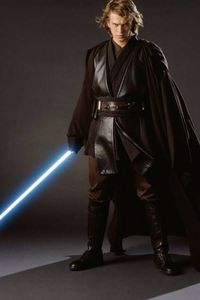 He is really Hot in this one. With his lightsaber and he looks like he is ready for a fight that is what i upendo about him.I was really sad when he went to the DARK SIDE. I upendo ANAKIN SKYWALKER!
