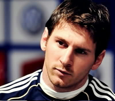 fictional: Harry Potter and all characters of the movie(specially Harry:D) Characters from A novel that i read(wings series(wings,spells,illusions)) Real ppl: My childhood frnds that i can't see any more:( Leo Messi(my tv crush:p(he's a football[soccer] player..and he's the best in it btw),and i'd like to meet all Barca players too(the best team ever)) Some celebereties like: [Taylor Swift(just to tell her how amazing her songs are and how touching they r and that her voice is great) Boys Like Girls(this band's songs r great..i love them:), Miley Cyrus(most of her songs r amazing!! Nick Jonas(he's cute and i was obsessed with the jonas bros when i was younger:p)]