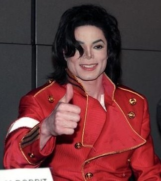 yeah! he could do what he wanted, he's da king! it's our duty 2 make him happy!