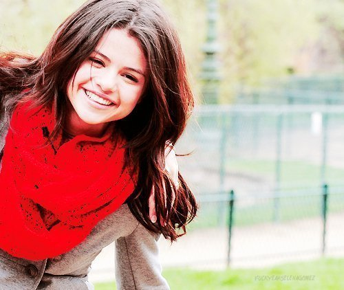 Selena Gomez because she is not selfish. She did not have naked pictures