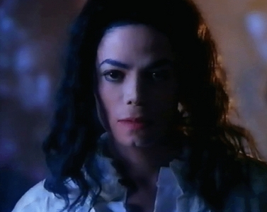 mj can do what he wants he's my KING! i luv when michael looks angry...he can have TOTAL control! that's hot!