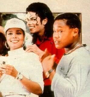 idk if this was from the bad era but i Любовь this pic oh him, janet, and ummmm some guy LOL