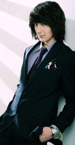 Mitchel Musso but in this pic he's hot :3