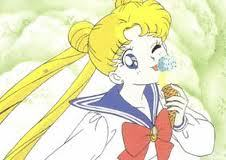 Its pretty obvious Serena would be eating sweets.