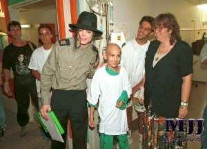 It makes me so sad when people praise other celebritàs for their charity work that they have probably done only once in their life while Michael spent his entire life trying to make the world a better place for the children. It's awful how they ridicule him and degrade him, exposing him as the monster the media wanted us to believe he was, which never actually existed in the first place. The controversy of Michael's life triumphed over his humanitarian efforts which makes me sick. The world deserves to know just how big his cuore is.