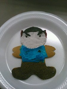 u mean this one? *wishes I could frame this cookie forever, even though it barely looks anything like Spock* xD