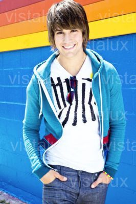 James 4 ever life!! <33 I always loved him the most! From when I saw BTR for the first time on the TV,I was like ''Wow,that guy (James) is so hot and sooo funny!!'' So yeah,I always loved him مزید than the other boys for that reason ;D