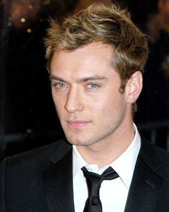 jude law!he is so sexy and hot!