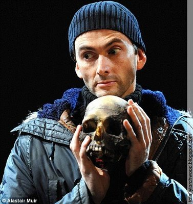 Ok, anda can give me the hundred dollars. And David will give anda this skull.
