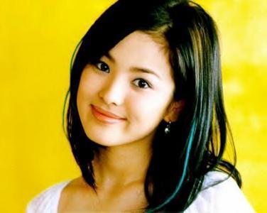 "My motto: ""Enjoy Life"" My आइकन :Song Hye Kyo"