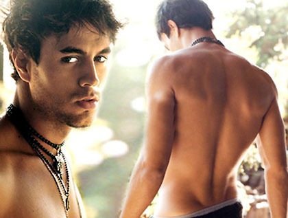 I प्यार Enrique Iglesias! So I wanted something that described my taste and have me look at his face wich is my icon! xenriquegrl x=kiss enrique=Enrique Iglesias and grl=girl!