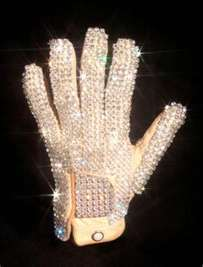 His silver rhinestoned glove, it would be my dream to have that. Either that o the red chaqueta he wears in the Beat It video.