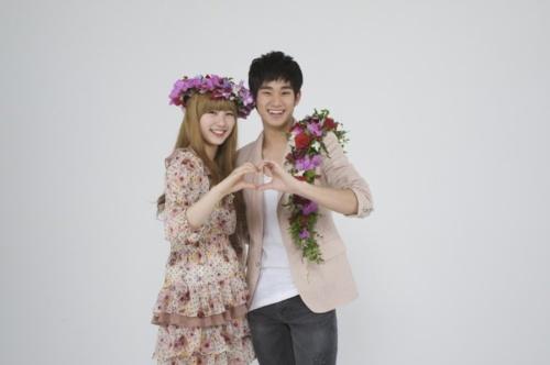Suzy & Soohyun :) Soo cute!! ^_^
