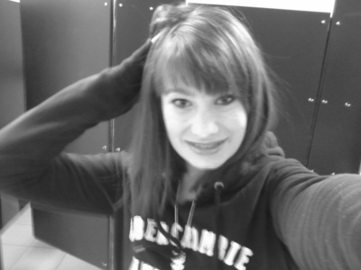 im kasey..f/15/tx.. and i have a record for fights...
