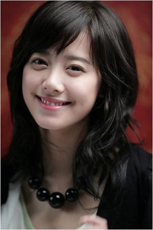 I think better wore Hye sun..^^