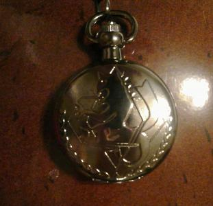 its Fullmetal Alchemist pocket watch:D i just got it yesterday^^