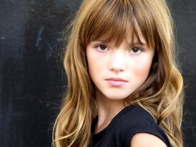 Ky: Landon Liboiron Xander: Alex Petyfer Cassia: Bella Thorne