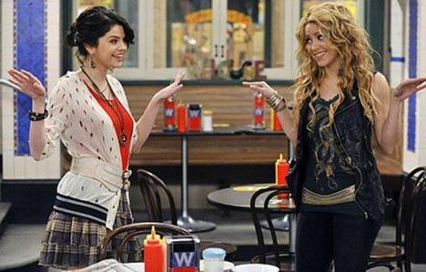 リンク <3 http://www-hollywoodlife-com.vimg.net/wp-content/uploads/2010/09/092810_ampics_spl213638_005.jpg http://images2.fanpop.com/image/photos/10800000/Wizards-of-Waverly-Place-season-3-promo-selena-gomez-10849332-600-402.jpg