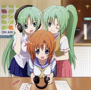 rena ryuugu has 橙子, 橙色 hair and the sozonaki twins have green hair.