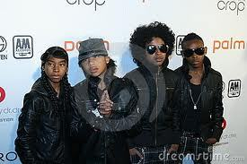 mindless behavior and i would play it cool