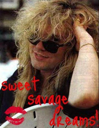 In My Mind:Kissing,Rose Petals,Candle,Cuddling With Rick Savage In Real life:Fuck It I'm Single I Don't Need This, I'll Daydream About Rick Savage and 潮流粉丝俱乐部 and Tumblring!!!!!