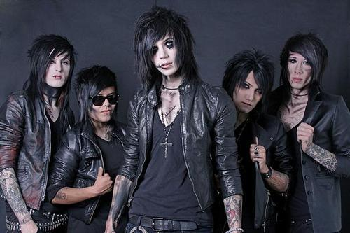 I went through 14 years of my life wondering why I didn't like much music... and then I discovered rock <3