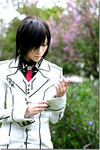 Well it's hard to choose a favorite, but this is one of them. :D This is the best Cosplay of Kaname from Vampire Knight That I have ever seen. <3