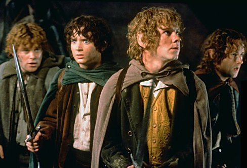 So hard to choose! Frodo, Merry, Pippin and Sam are my 最喜爱的 characters. :)