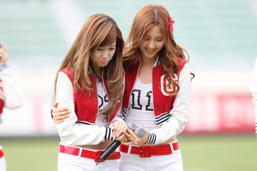 for me:seohyun and jessica..they both are really cute and have the charming side on their personality..