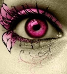 गुलाबी eye with butterfly-like eyeshadow:D