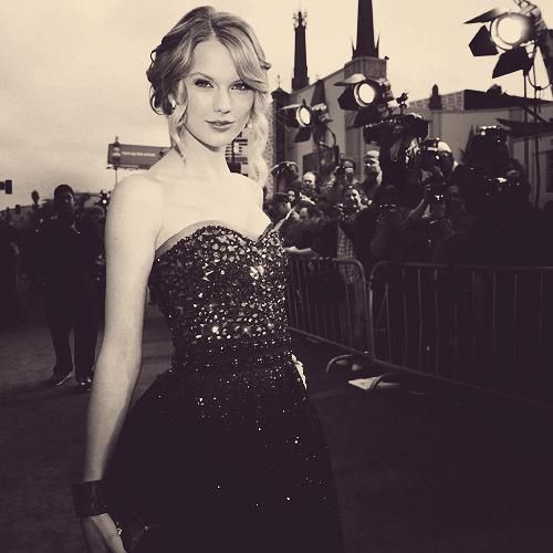 Taylor Swift!!!! <13