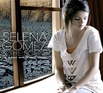 salut , i luv this pic it tell us how much calm is selena gomez