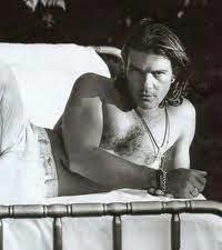 Antonio Banderas <3 <3 <3 <3 <3 he is so hot!!!