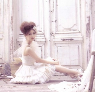 My お気に入り : Seohyun in my fav color, white )