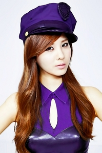 my fav seohyun and my fav color purple.. :)