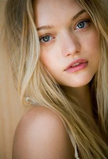I know what Silena Beauregard looks like. she definitely look like this
