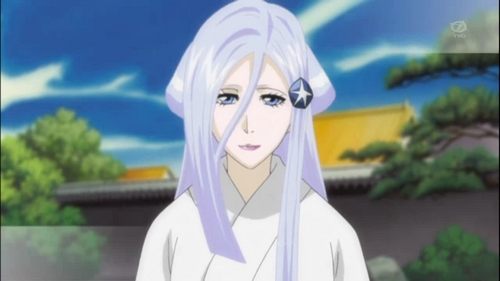 Sode no Shiroyuki from Bleach a zanpakuto spirit