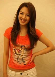 my inayopendelewa color:orange my inayopendelewa member:hyoheon