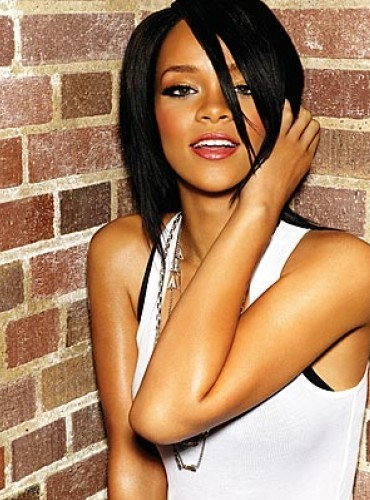 mine check out the liens too http://www.clickgratis.com.br/fotos-imagens/imagens/rihanna-474.jpg http://images4.fanpop.com/image/photos/19600000/Rihanna-cute-rihanna-19664153-1440-900.jpg