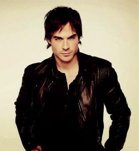 Nop!Im jeleous of Elena Gilbert from Vampire Diares,I didnt like Edward at all!!Damon is more hotter!!