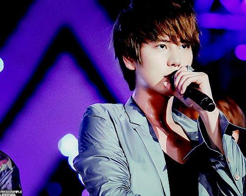 Kyuhyun ♥ his voice is very unique and he has a voice of an অ্যাঞ্জেল